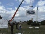 Ford Blanquefort le 10.07.2009 : démontage du panneau Ford