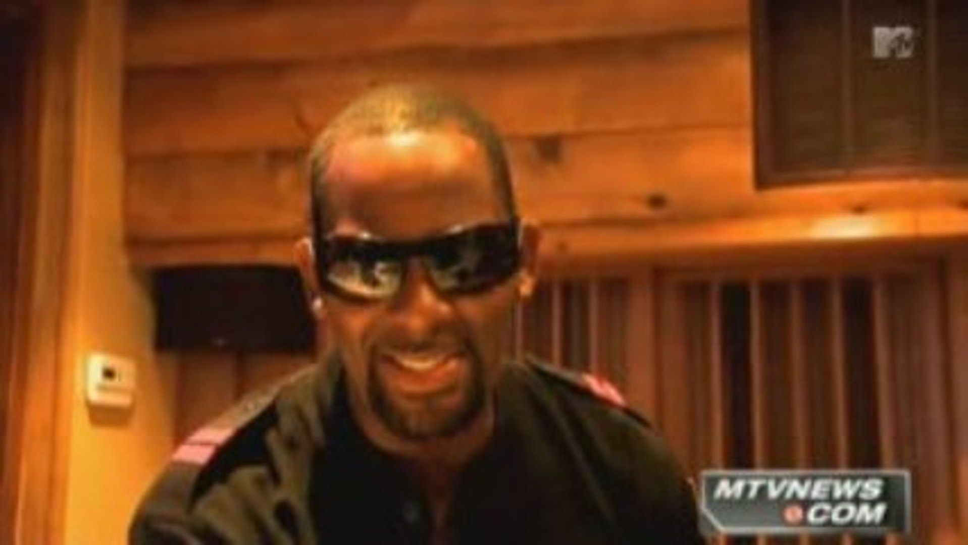R  Kelly on Mixtape Daily