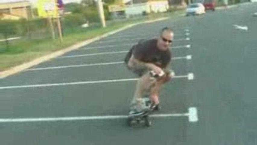A fond sur un skate électrique
