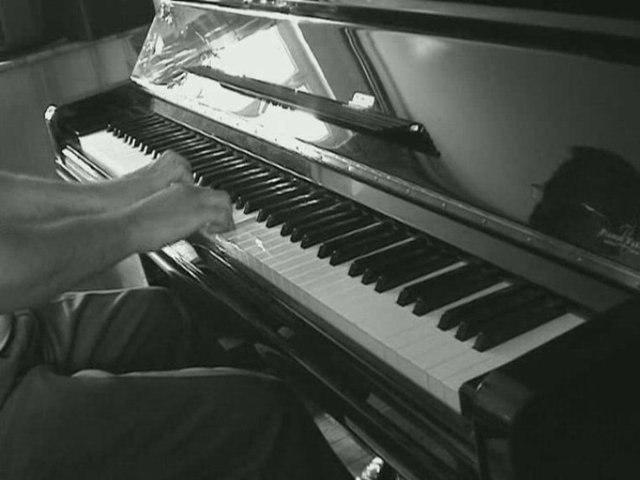 Composition triste pour piano - A Contre Courant