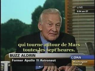 Buzz Aldrin : un monolithe sur Phobos (Mars)