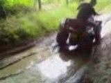 petit tour en quad dans la boue
