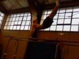 USH GYM - Adrien barres parallèles mouvements libres 2