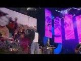 Robbie Williams Let me entertain you live8