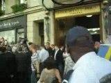 Tokio Hotel devant l'hôtel à Paris