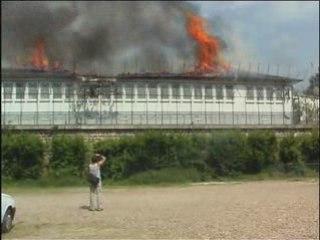 Incendie au CRA de Vincennes