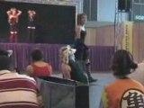 La danse des lapinous en fin je sais pas japan expo 2008