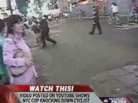 Poliziotto abbatte ciclista