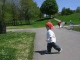 Mohamed marche au parc Mont-Royal (Montréal)