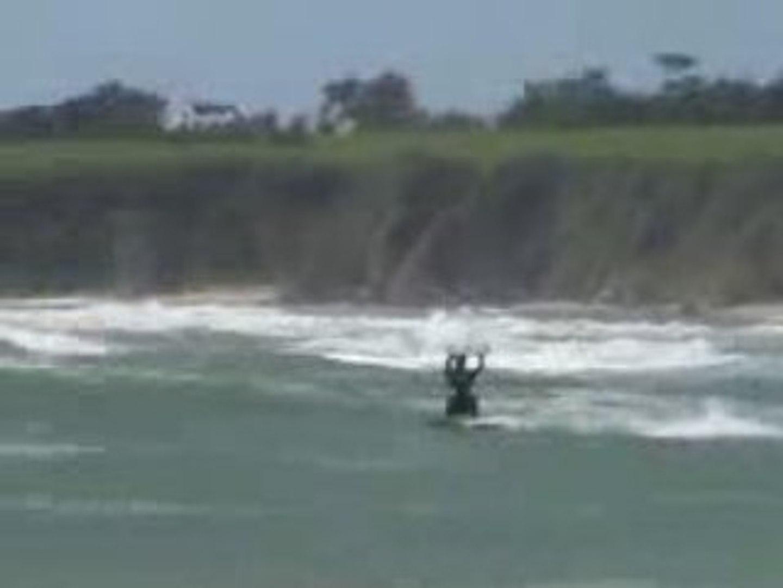 Fred Duthil en kite surf à Guidel-Plage (version courte)