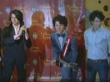 Jonas Brothers unveil wax figures and fans go wild!
