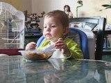 Matheo mange seul WEB