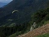 vol parapente col de la forclaz vue sur le lac d'annecy