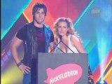 Dean Geyer presents @ Kids Choice Awards 2008