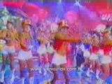 """Xuxa canta com suas Paquitas a música """"Millenium"""""""