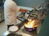 Cuisine au wok au Thai Village à Aubergenville 78 France