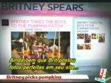 E! News - Britney e seus filhos para o Dia das Bruxas