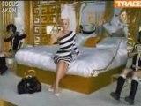 Gwen Stefani + Akon - The Sweet Escape (High Quality)