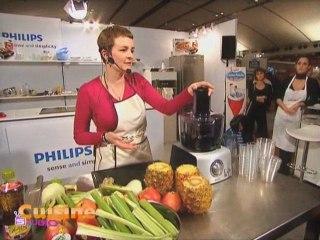 Pascale et les jus de fruits à la centrifugeuse