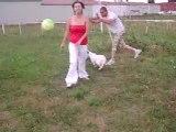 Aout 2008 Lolotte joue au foot