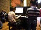 Léo, premier concert au piano