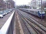 trois trains ter et un train TGV à LYON le 21.12.08