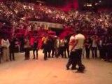 Danseurs au concert de Chris Brown