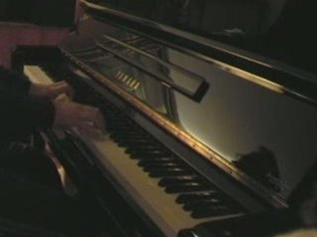 Composition triste au piano - Thème de Savina