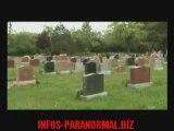 fantome dans un cimetière