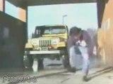 Regis lave sa voiture