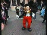 I looooooooove mickey mouse !!
