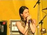 ALANIS MORISSETTE - HAND IN MY POCKET (Woodstock 1999)