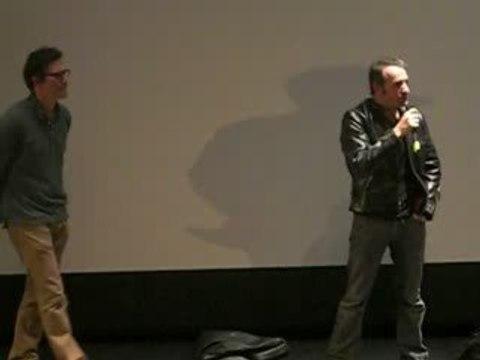 """Jean Dujardin chante """"Bambino en arabe"""""""
