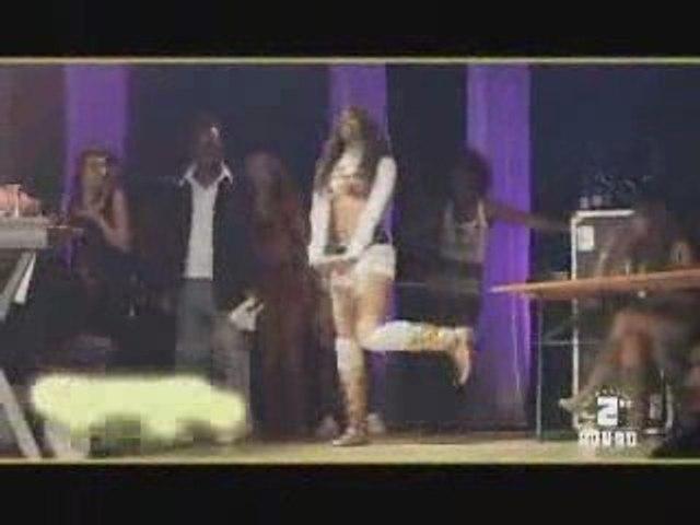 Danseuse bouge ces fesses  INCROYABLE!!!shisha jamaica