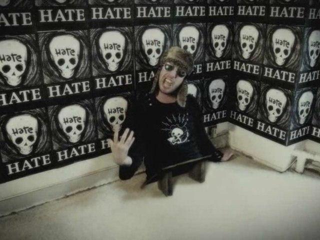dDamage - 100 % HATE