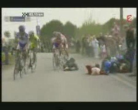 Accident moto Paris - Roubaix 2009