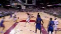 NBA Mo Williams feeds a LeBron James with a pretty dish for