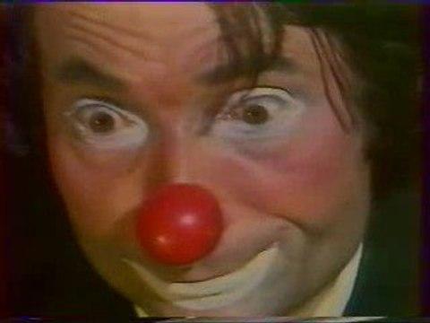 "Clown Boboss ""la contre basse"" www.clownboboss.com sketch de"