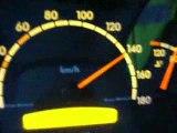 un camion de 40 tonnes qui roule a plus de 140km/h sur l' autoroute et qui me depasse