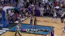 Jameer Nelson finds Dwight Howard under the basket with the