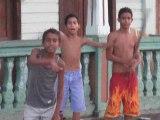 6 Cuba Baracoa Enfants rue Base Ball 4