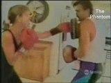 La femme de régis apprend la boxe