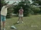 La femme de régis apprend le golf